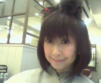 髪 切りましたぁ (^^)v