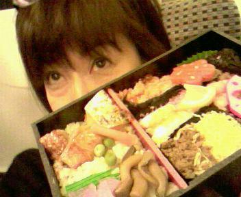 新幹線お弁当〜♪